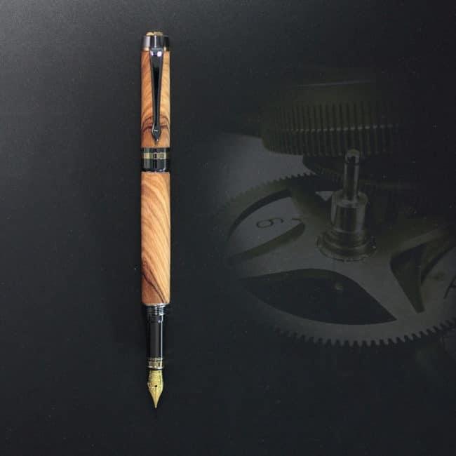 Stylo plume en bois d'olivier sauvage – appareil or & bronze